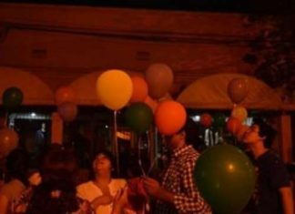 181623 en un festejo de la virgen de urkupinia cambiaron globos por cohetes