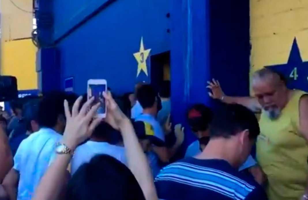Incidentes en la Bombonera con los socios de Boca